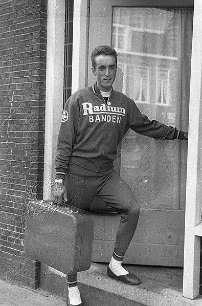 File:Ronde van Nederland 1960Finish tweede etappe Heerenveen Assen, Ab Geldermans do, Bestanddeelnr 911-2422.jpg