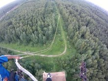 Файл:Rope Jumping from antenna mast (70m).webm