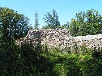 Rouelbeau Castle - Ruins of Rouelbeau Castle