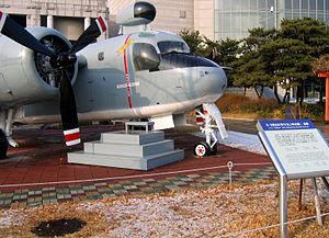 "S-2 ""Tracker"" Anti-Submarine Aircraft (USA).jpg"