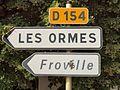 Saint-Aubin-Château-Neuf-FR-89-panneaux vers Les Ormes-a3.jpg
