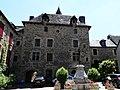 Sainte-Eulalie-d'Olt château (1).jpg