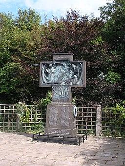 Saltburn War Memorial - geograph.org.uk - 2001170