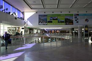 San Bartolomé - airport in 02 ies.jpg