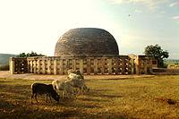 Sanchi Stupa Nr. 2 (1999)-datita.JPG