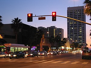 Wilshire Boulevard in downtown Santa Monica at twilight. Santamonicadowntownsunset.jpg