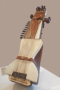 """Saranghi ou Sarangi (Luth), """"Rituels et Musiques du Monde"""", CPFI, Festival Les Orientales (Saint-Florent-Le-Vieil).jpg"""