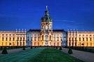 Schloss Charlottenburg zur blauen Stunde.jpg