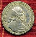 Scuola romana, medaglia di gregorio XIII, 1575, giubileo, bronzo argentato.JPG