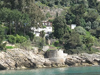 Sea shore at Roquebrune.jpg