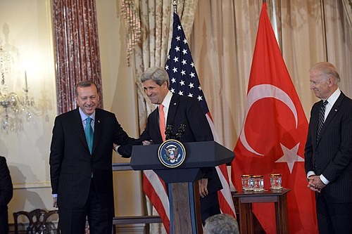 U.S. Secretary of State John Kerry, with U.S. Vice President Joseph Biden, delivers remarks in honor of Erdogan, 16 May 2013 Secretary Kerry Delivers Remarks in Honor of Turkish Prime Minister Erdogan (2).jpg