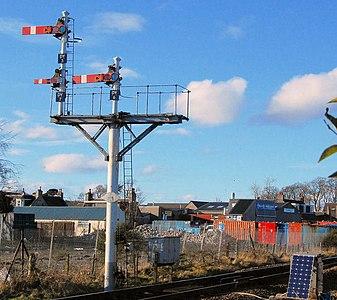 Semaphore signals - geograph.org.uk - 1367620.jpg