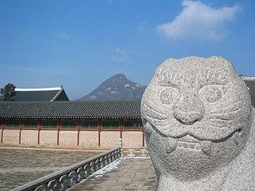 Seoul-Gyeongbokgung-01.jpg