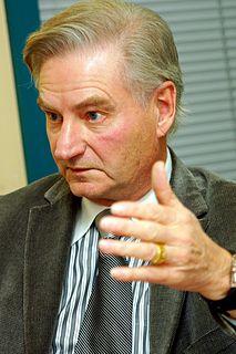 Serge Ménard Canadian politician