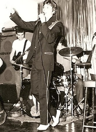British rock and roll - Rock and roll revivalist Shakin Stevens performing in 1976