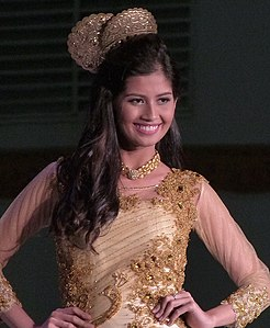 Shamcey Supsup at General Santos City Mall Show, October 2012.jpg
