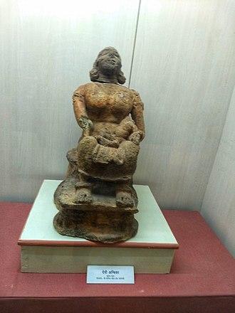 Ambika (Jainism) - Image: Shri Mahavirji Jain Museum Ambika Kushan Empire