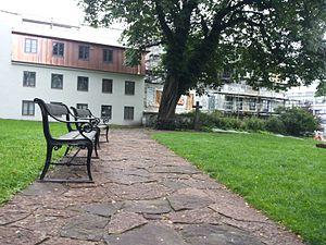 St. Oluf's Cemetery - Image: Skt Olufs Kirkegård, benches