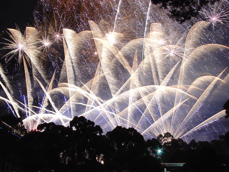Photo By: http://commons.wikimedia.org/wiki/File:Skyshow_Adelaide_2006.JPG