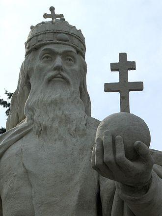 Árpád dynasty - Statue of St. Stephen in Esztergom