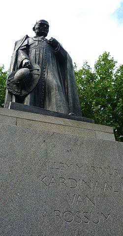 Standbeeld Willem Marinus Kardinaal van Rossum - Den Bosch.jpg