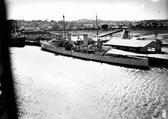 HMAS Hobart (D63) - HMAS Hobart in Brisbane in 1939