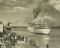 StateLibQld 1 250796 Cruise ship Strathaird leaving port, Hamilton, Brisbane.jpg