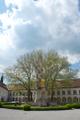 Stift Heiligenkreuz courtyard.png
