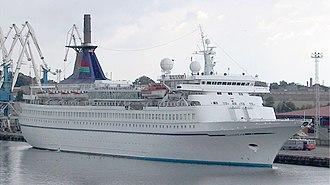 MS Formosa Queen - Sundream in Tallinn Harbour, 2001.