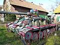 Tank dans le jardin de la ferme Vanabelle. En danger de disparition.jpg