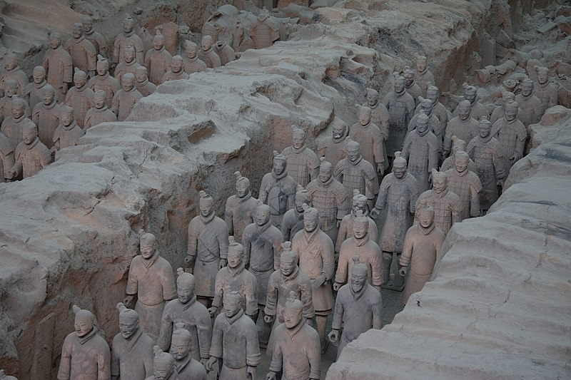 800px-Terracotta_Army_Pit_1_-_2.jpg