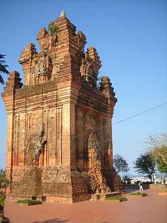 Tuy Hòa - Champa Temple in Nhạn Mountain