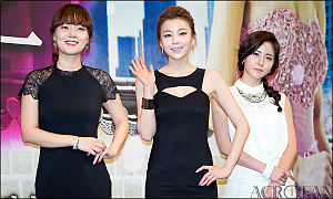 Queen In-hyun's Man - The cast at the press conference in April 2012. L to R: Ga Deuk-hee, Park Young-rin, Jin Ye-sol