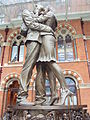 The Meeting Place statue, St Pancras railway station - DSC08181.JPG