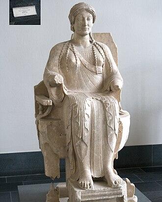 Severe style - Taranto goddess, Pergamon Museum.