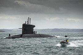 Torpedo werkschip Zr.Ms.Mercuur volgt een training met de duikboot Zr.Ms.Zeeleeuw 04.jpg