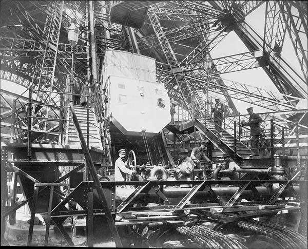 Tour Eiffel Ascenseur Roux, Combaluzier et Lepape