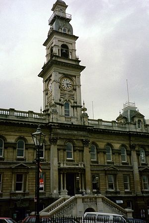 Dunedin Town Hall - The first phase of construction included the Octagon facade.