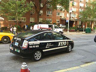 320px-Toyota_Prius_NYPD_Traffic_Enforcem