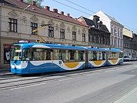 Tram Vario LF3 Ostrava.jpg