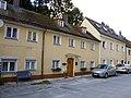 Traufseitige Wohnhäuser.JPG