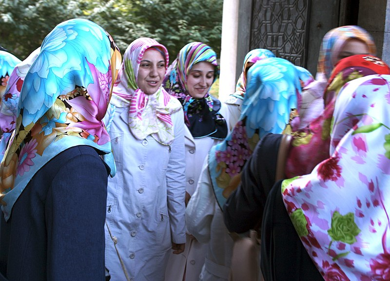 File:Turkish women 2.jpg