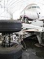 USAir 1549(機体番号N106US)」調査後の機体と外された車輪.jpg