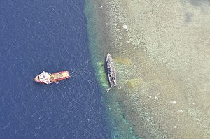 Tubbataha Reef - Image: USS Guardian aground viewed from above