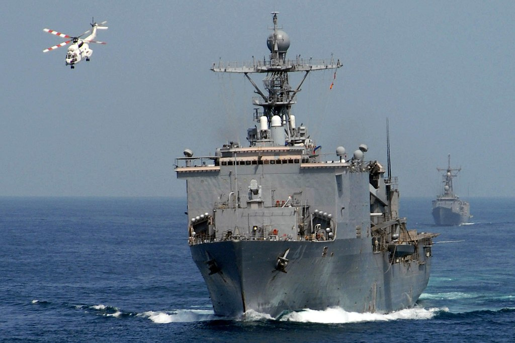USS Whidbey Island (LSD-41) in the Persian Gulf (14 Sept. 2006).