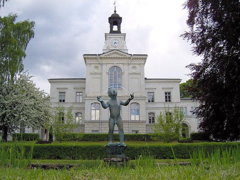 File:Ullerakers sjukhus.jpg