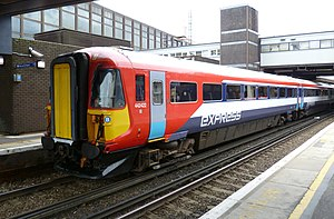 Unit 442422 at Gatwick Airport - John Pease.jpg