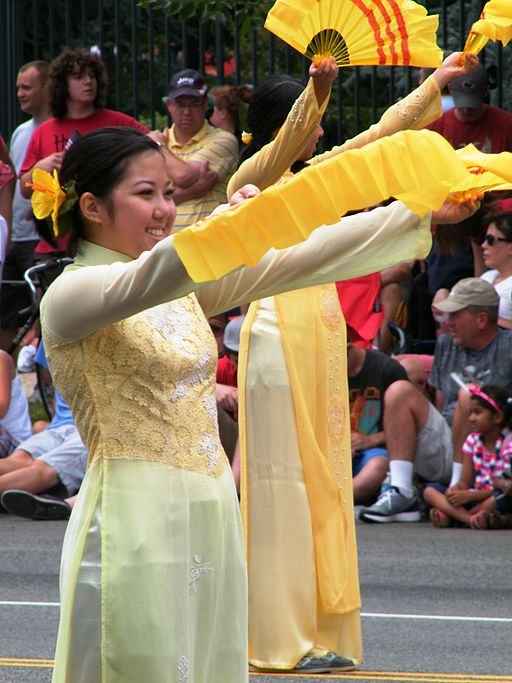 Vietnamese dancer July 4th in Washington DC 1 - Stierch