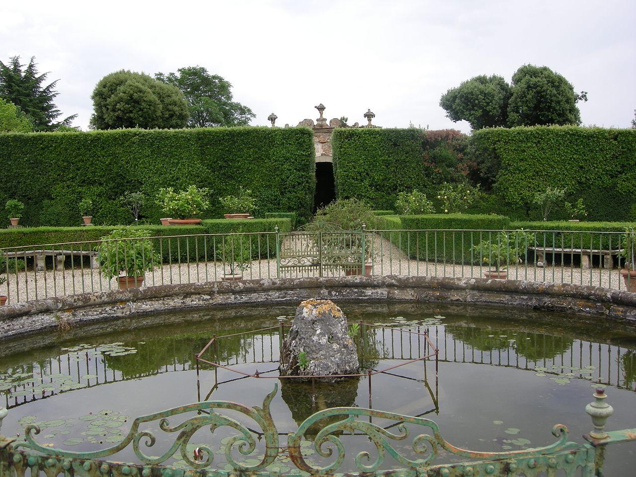 File villa la quiete giardino vasca 02 jpg wikimedia for Vasca giardino