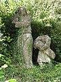 Ville-au-Montois (Meurthe-et-M.) statue reste de chemin de croix à coté de la chapelle.JPG